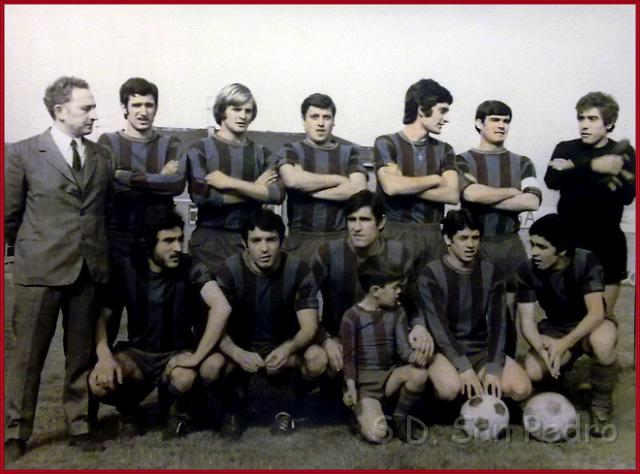 San Pedro temporada 1971-72. Chema, Basabe, Baby, Asenjo, Serna, Escurza, Usubiaga, Regidor, Blanco, Zabal, Zabala, y Pele.